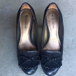 Naturalizer Suede & Leather Heeled Loafer Size 6.5
